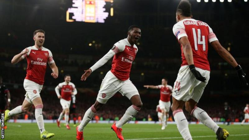 Aubameyang, Arsenal's goalscoring superhero celebrates with teammates