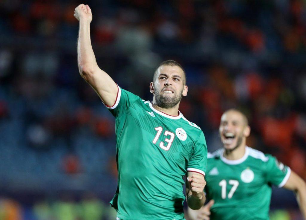 Algeria players celebrate win over Cote d' voire